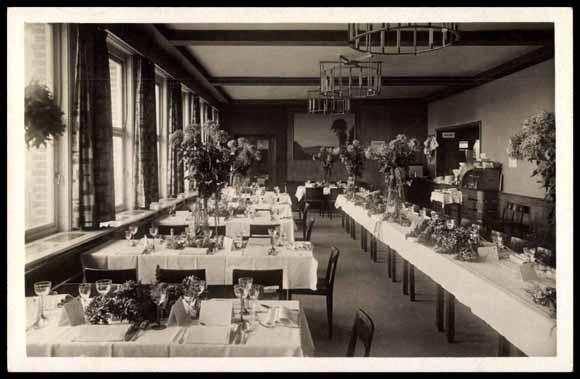 Flughafenhotel - Speisesaal anläßlich des Zeppelin-Empfangs