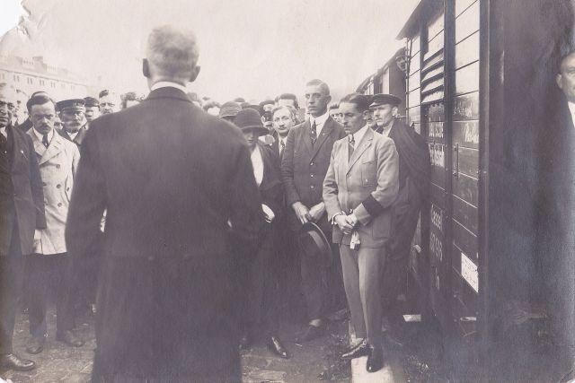 Fritz Schindler Sarg Überfühung Mia +22.6.1924 (Kiefer-Auktion)