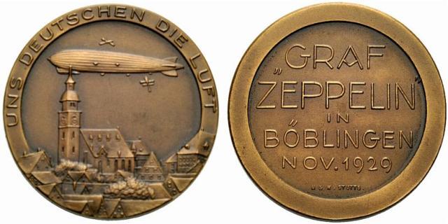 Bronzemedaille 1929 von Mayer und Wilhelm, auf die Landung des LZ 127 in Böblingen. Luftschiff nach links über Stadtbild / Fünf Zeilen Schrift. Slg. Wurster -, Kaiser 537. 36 mm