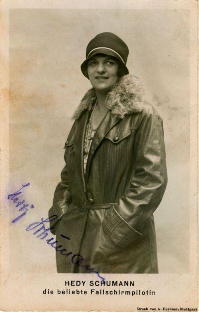 Hedy Schumann sign (H.R.)