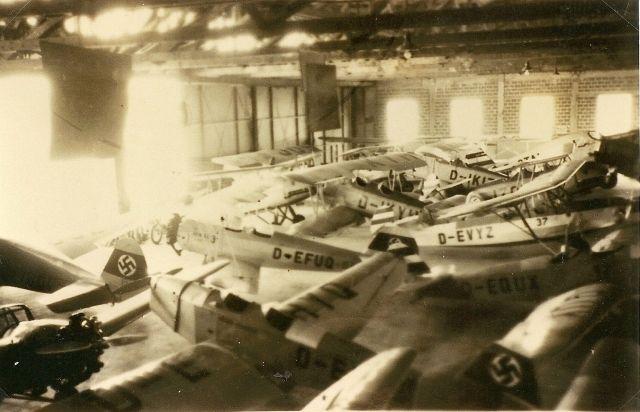 BB-Fliegerschule Flugzeuge