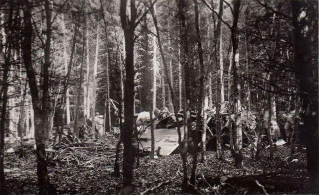 tuttlingen-im-wald-truemmer-und-personen-1934-f_